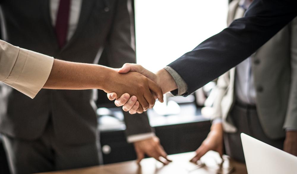 hands-meeting-room